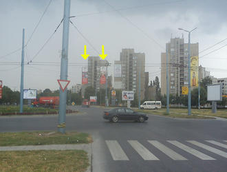 Мегаборд разположен на входа на ЖК Тракия - колелото на м-н Метро